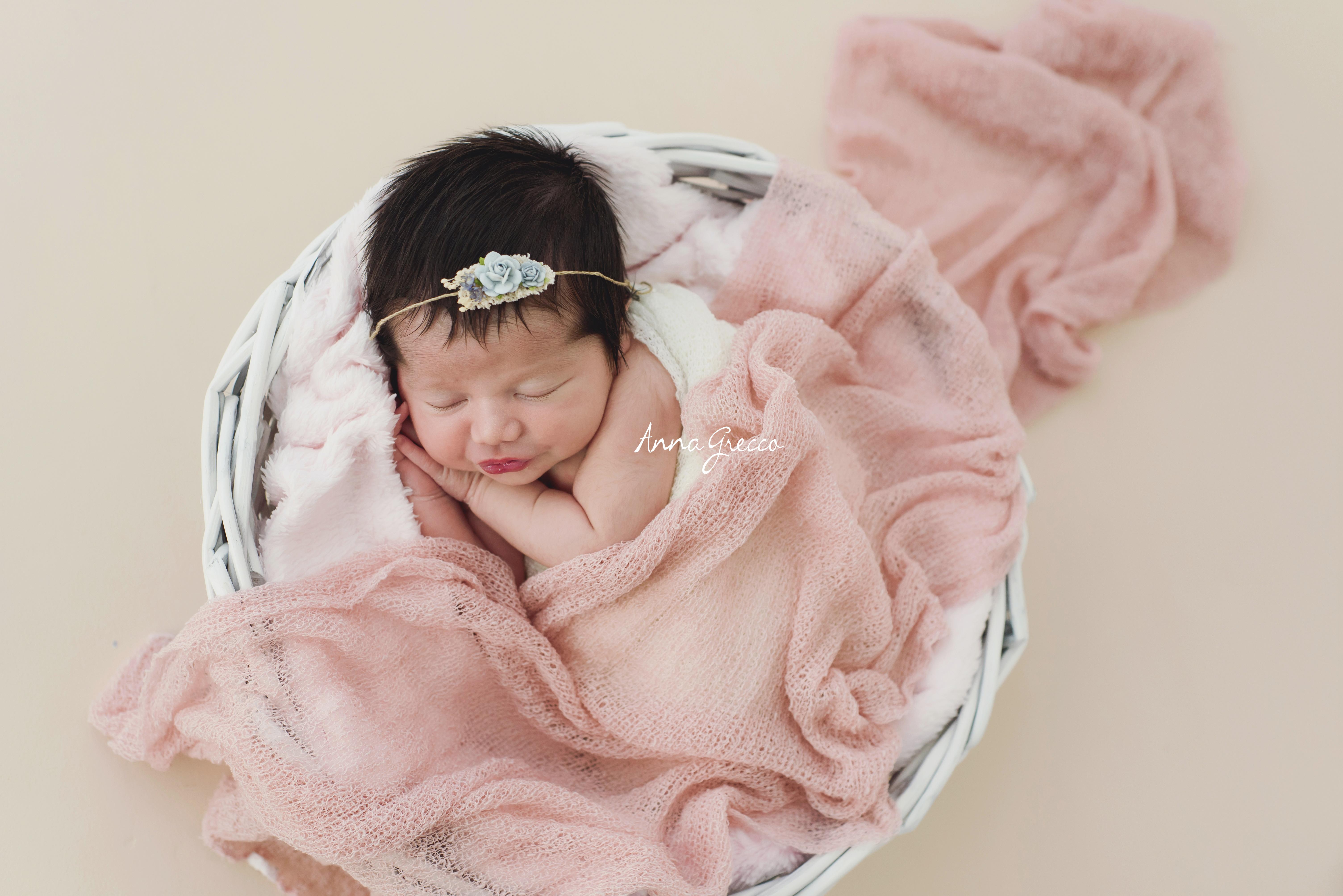 bebe recem-nascido newborn fotos sessão ensaio alinhos vinhedo jundiai campinas são paulo anna grecco