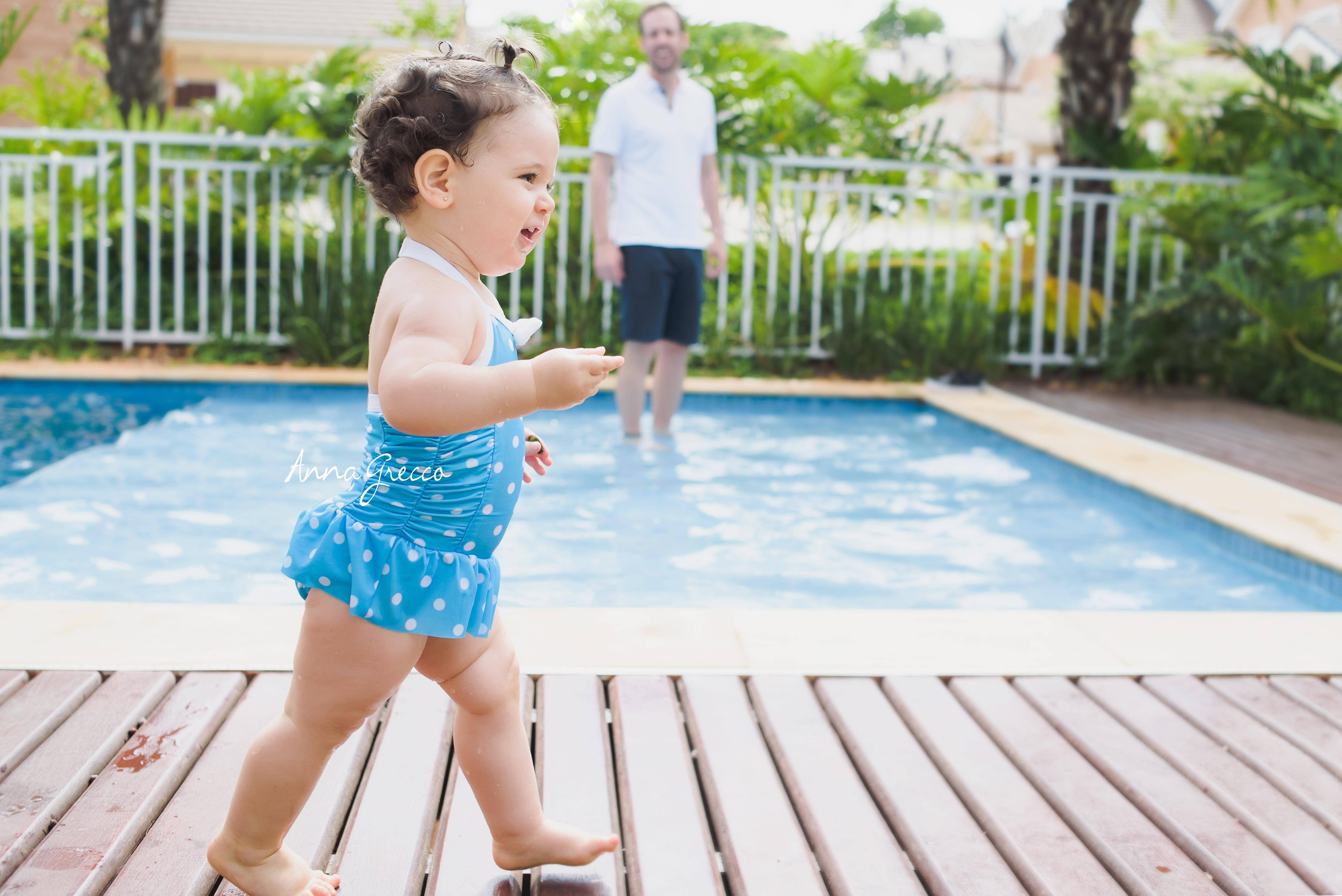 Fotos na piscina - Bebê e Famílias - Anna Grecco www.annagrecco.com.br 1 ano - aniversário